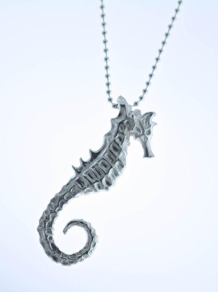 Ottawa_Silver_Jewelry_seahorse_pendant_style_denim
